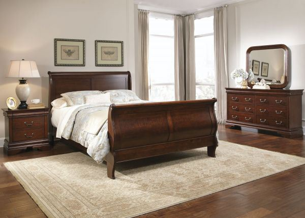 Picture of CARRIAGE COURT KING SLEIGH BED