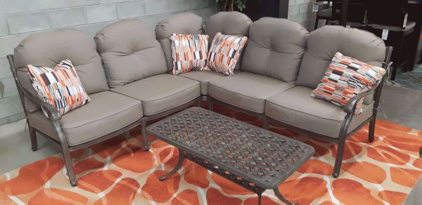 Picture of CASTLE ROCK 3-PC. SECTIONAL